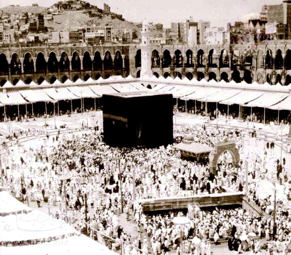 Sheikh Al-Hashmi arrived In Makkah in 1948 to perform Haj and stayed in the holy city rest of his life teaching and preaching.