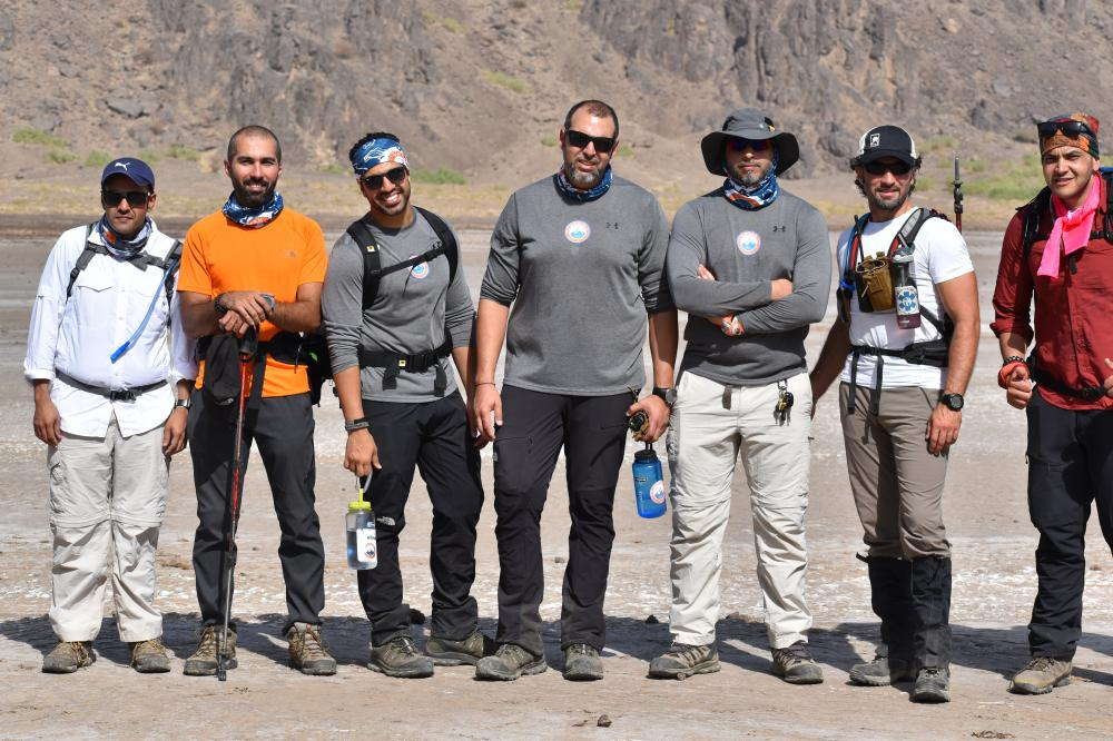 The members of Qimmam club during the trip to Wahba Crater.