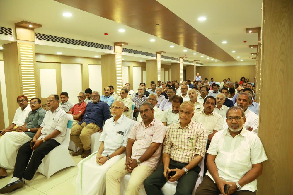 A view of Islahiya Alumni members and other outstanding personalities who attended the logo launch.