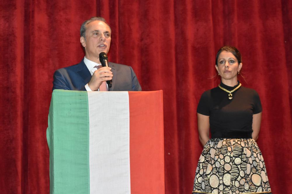 Italian Ambassador Luca Ferrari and Consul General Elisabetta Martini during the Street Food Festival at the Italian Cultural Center in Jeddah Sunday night.