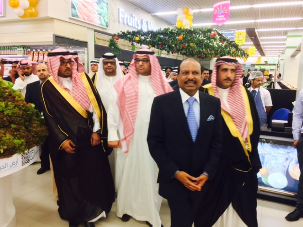 LuLu Group Chairman Yusuffali M.A tours LuLu Hypermarket facility in Jeddah along with other guests after its grand opening on Wednesday.