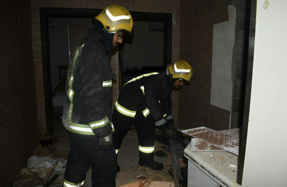 An explosion of the water heater in the bathroom dealt heavy damage to a house in Buraidah, Qassim province, recently, according to the Civil Defense.