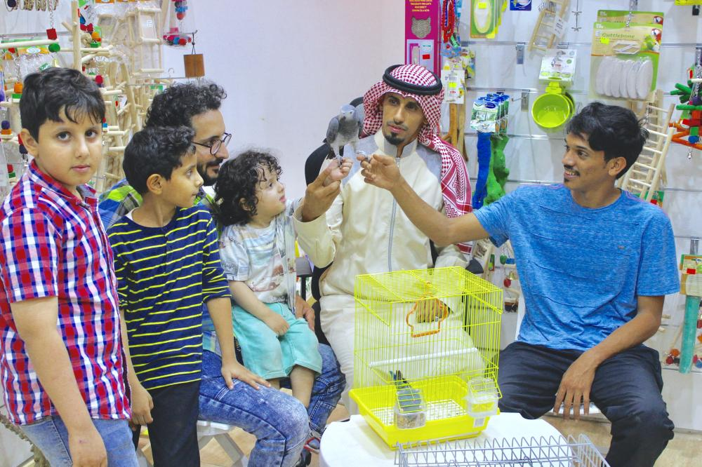 Jeddah's ultimate bird lover offers free counseling to curious pet owners