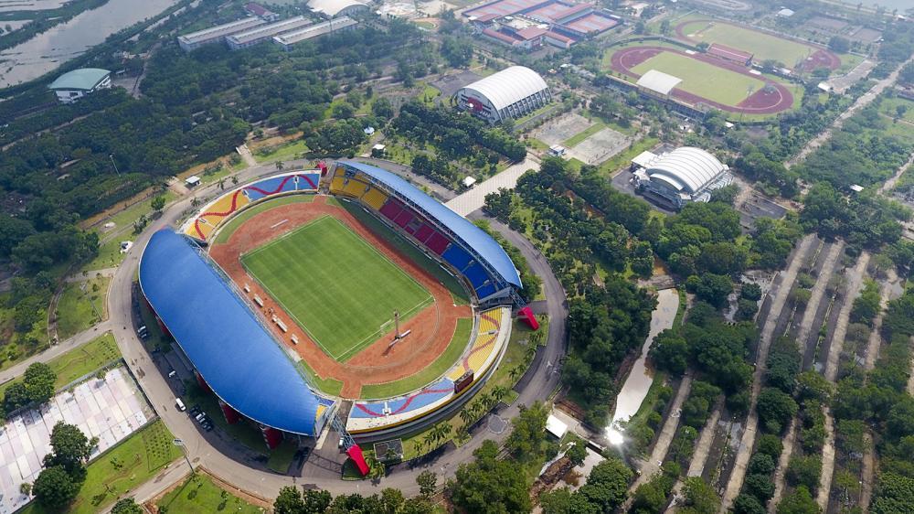 Foto udara komplek olahraga Jakabaring Sport City (JSC) di Palembang, Sumatra Selatan, Kamis (12/4). Gubernur Sumatera Selatan Alex Noerdin menyatakan delapan arena yang ada di Jakabaring Sport City (JSC) Palembang sudah rampung dan siap digunakan untuk perhelatan Asian Games 2018. ANTARA FOTO/Nova Wahyudi/kye/18