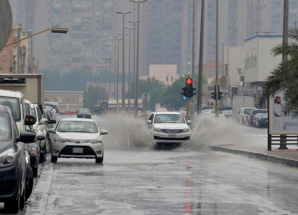 Heavy rain flooded streets in the low-lying areas of old Dammam and Al-Khobar on Monday.