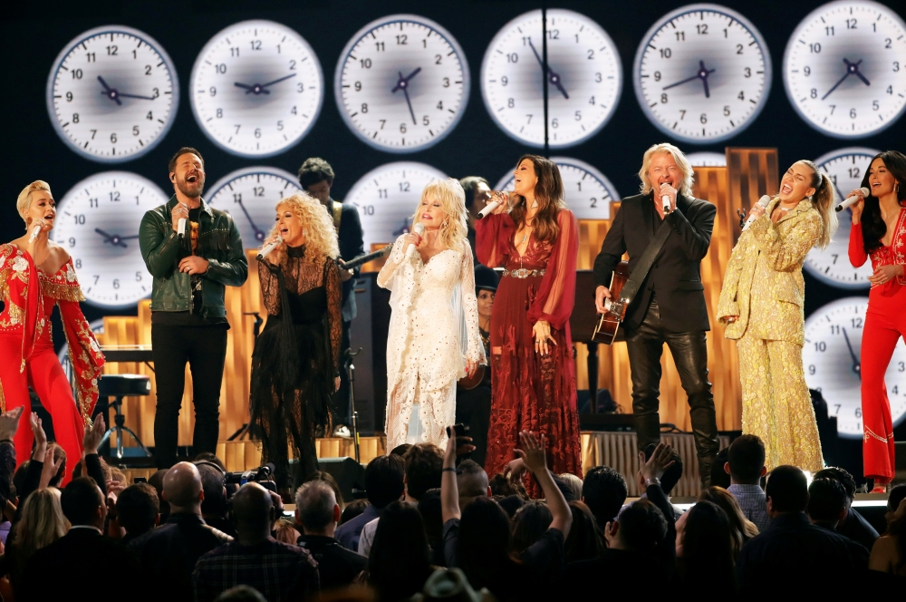 Katy Perry, Phillip Sweet, Karen Fairchild, Dolly Parton, Kimberly Schlapman, Jimi Westbrook, Miley Cyrus and Kacey Musgraves perform