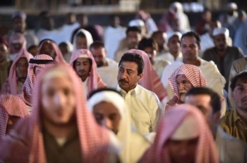 A scene from the TV drama Al-Asouf shows Nasser Al-Qasabi among visitors to the Grand Mosque.