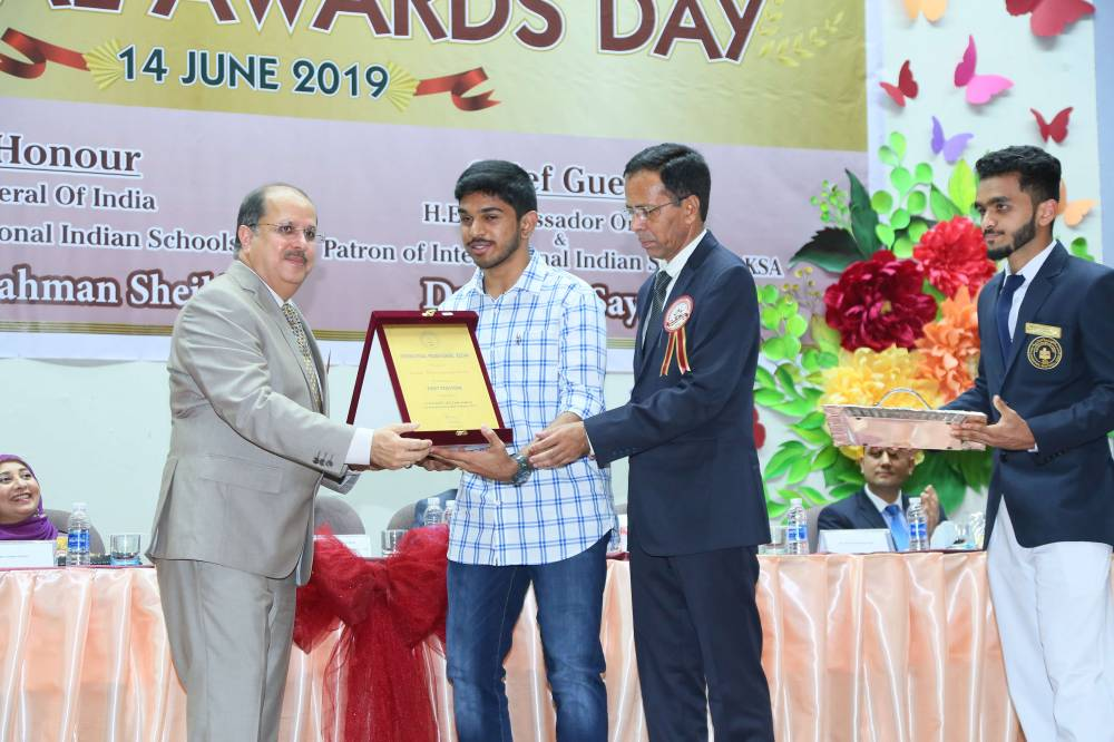 Dr. Sayeed felicitates an excelling student.