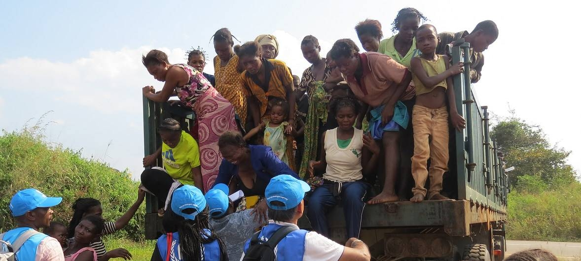 Congolese women and children arrive at a border point in Chissanda, Lunda Norte, Angola after fleeing militia attacks in Kasai Province, Democratic Republic of the Congo. 2 May 2017. –Courtesy photo