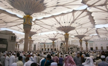 The central area around the Prophet's Mosque was crowded with congregates who came early so as to find places inside the mosque and listen to the sermon. — Courtesy photo