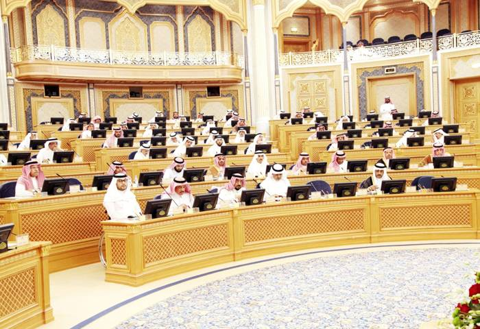 Shoura seeks study on keeping expat and dependents fee at same level for 2020