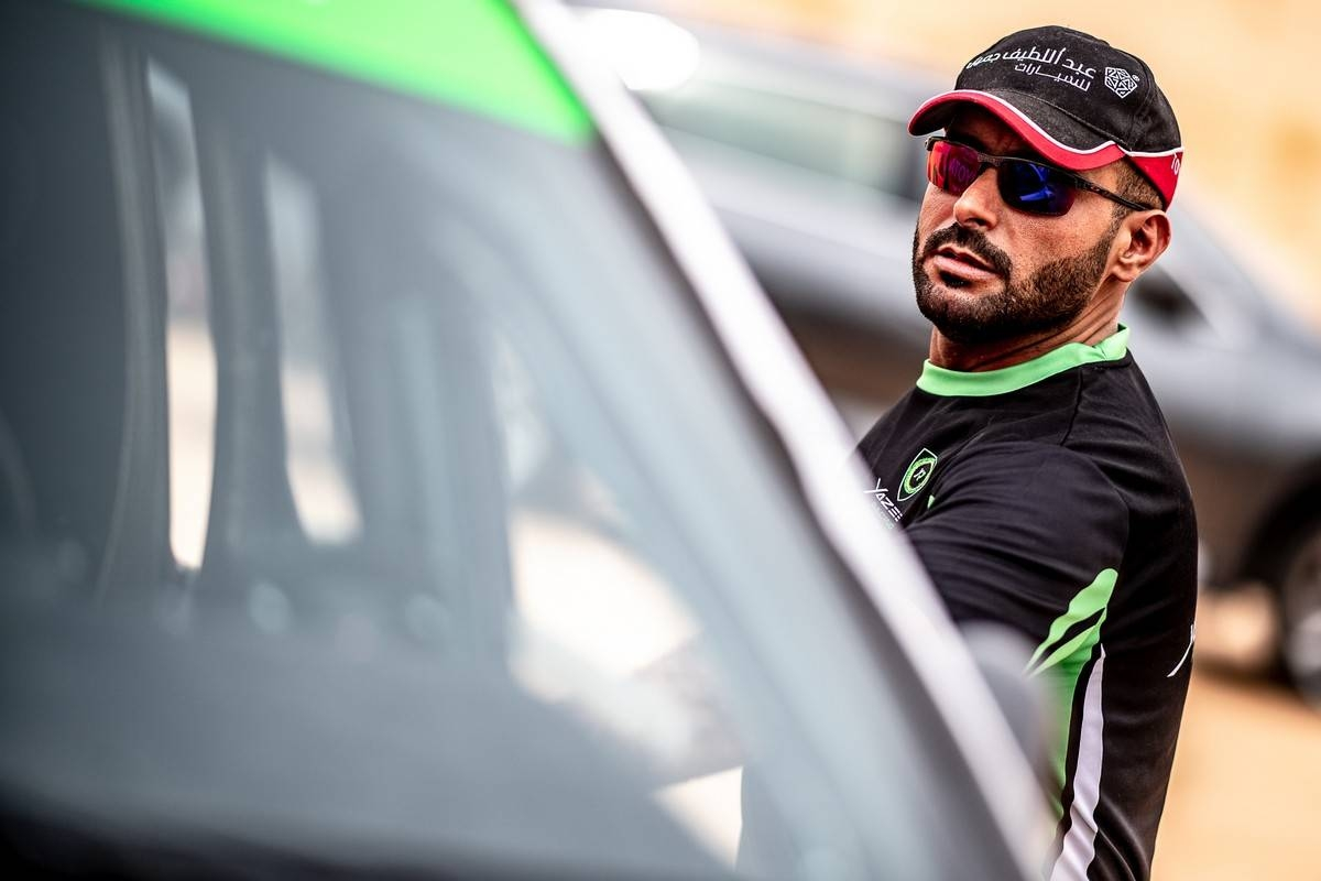 Saudi Arabia's Yazeed Al-Rajhi and Ulster co-driver Michael Orr held an advantage of 8.5 seconds after the opening timed 3.55km super special stage of Rally Qassim 2019.