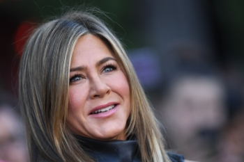 US actress Jennifer Aniston arrives to attend the Los Angeles premiere screening of the Netflix film