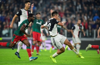 Juventus' Paulo Dybala scores its second goal against Lokomotiv Moscow at Allianz Stadium, Turin, Italy, on Tuesday. — Reuters