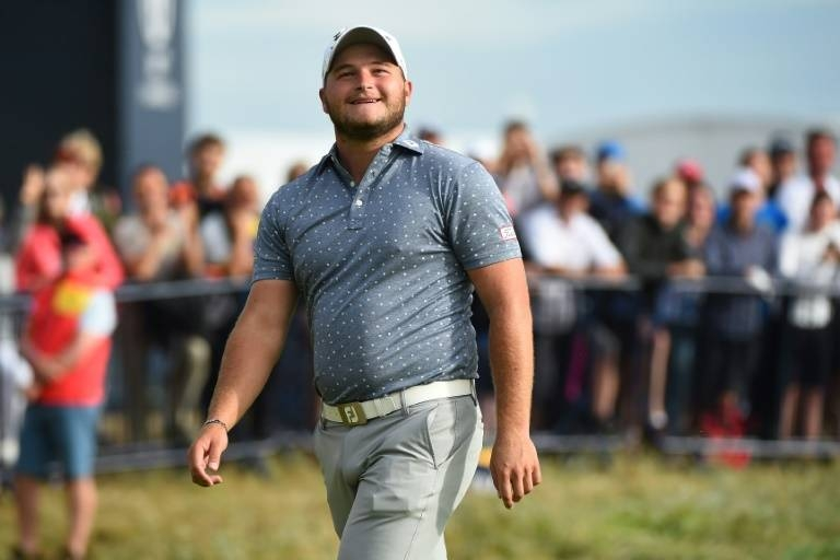 South Africa's Zander Lombard stormed into the lead with a seven-under-par 65 in the second round of the Nedbank Golf Challenge at the Gary Player Country Club on Friday.