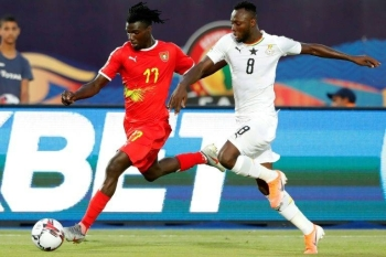 Ghana Olympic Games qualifying tournament hero Owusu Kwabena (R) playing against Guinea-Bissau in the 2019 Africa Cup of Nations. — AFP
