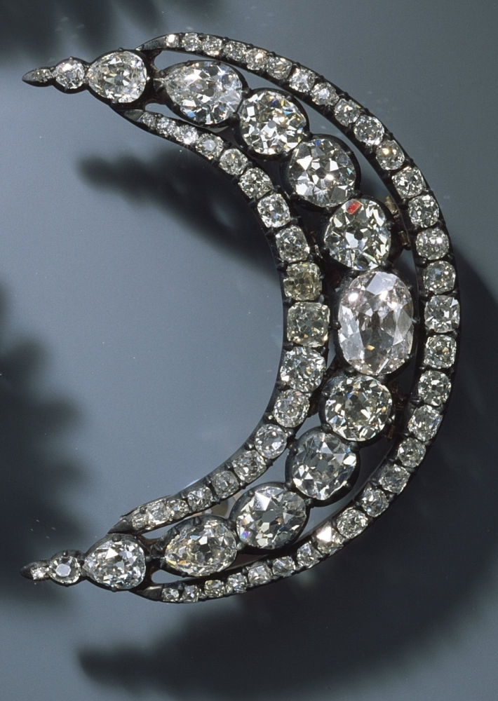 Image result for images of German museum releases photos of some of the jewelries stolen in the 'world's biggest heist'