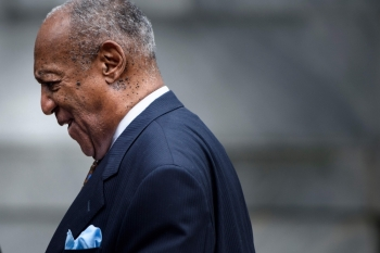 Comedian Bill Cosby leaves after the first day of a sentencing hearing at the Montgomery County Courthouse in Norristown, Pennsylvania, in this Sept. 24, 2018 file photo. — AFP