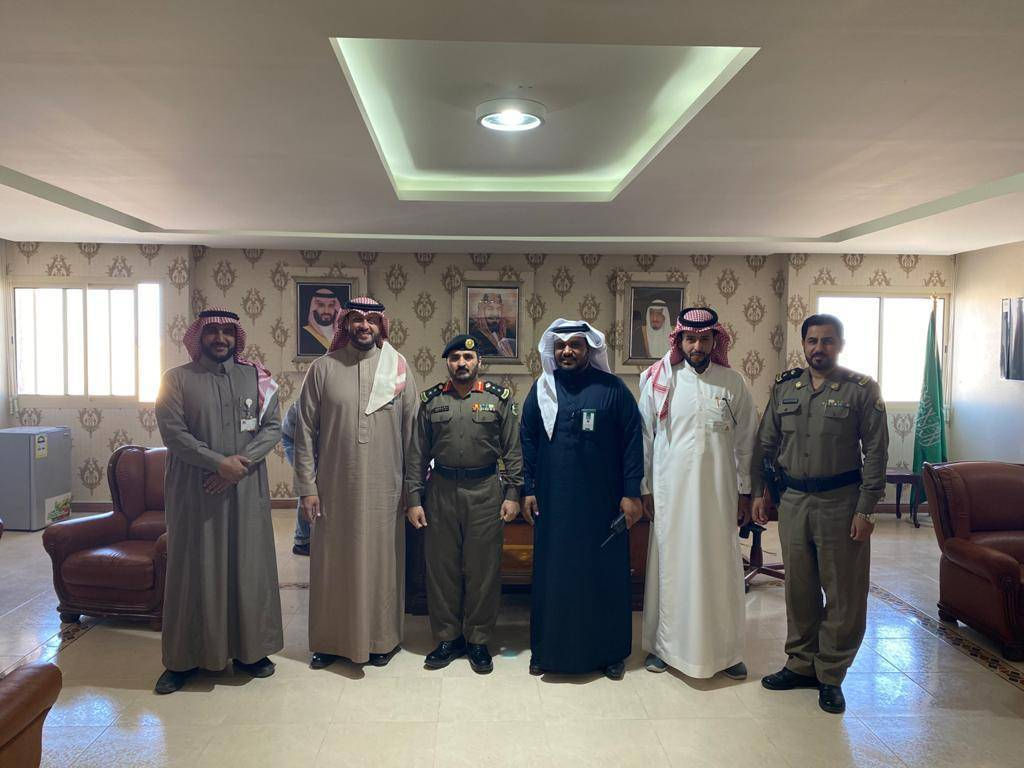 During the opening of Najm's 40th in Ar-Rass. Group photo shows Colonel Abdullah Saleh Al-Masoud, Director of Ar-Rass Traffic Police Division;  Ibrahim Al-Mahboub, Chief Operating Officer at Najm, with other officials.