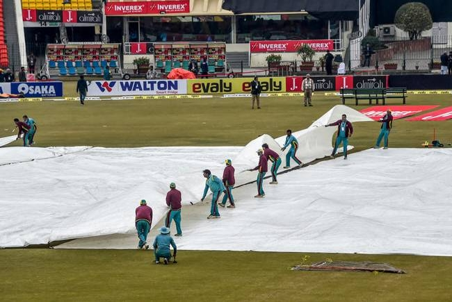The third Twenty20 international between Pakistan and Bangladesh was abandoned without a ball being bowled Monday because of bad weather in Lahore, giving the home side a 2-0 series victory. — AFP