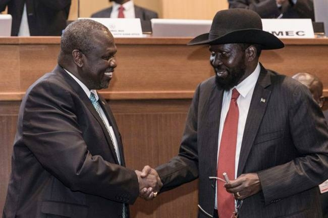 A deadline looms on Saturday for forming a unity government between President Salva Kiir, right, and his former deputy turned rebel leader, Riek Machar. — AFP