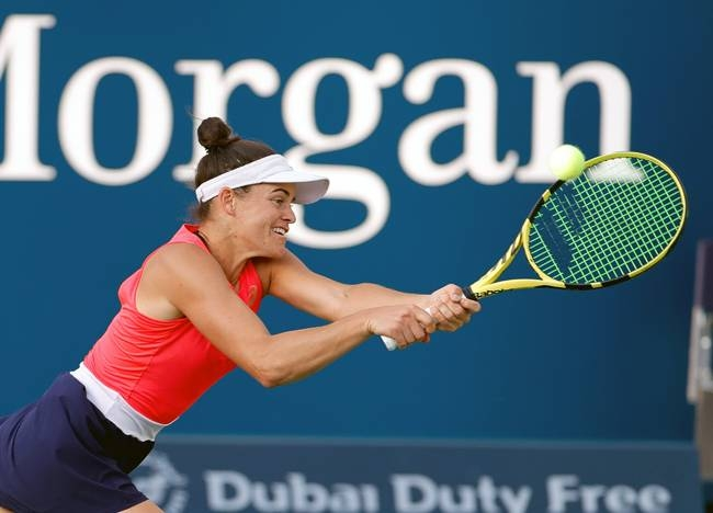 Qualifier Jennifer Brady claimed a second seeded victim Thursday, defeating Garbine Muguruza to reach the Dubai Championships semifinals.