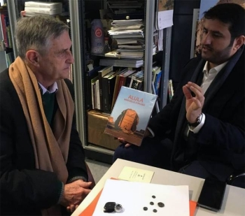 Jean-Claude Lefevre, the geologist, handed over the heritage pieces to Dr. Abdul Rahman Al-Suhaibani, acting director of Museums and Galleries at the Royal Commission in a ceremony at the Arab World Institute in Paris.