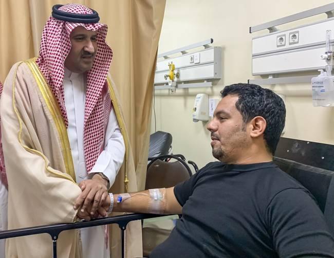 Emir of Madinah Prince Faisal Bin Salman checks on the health of the injured security men in King Fahd hospital in Madinah. — SPA