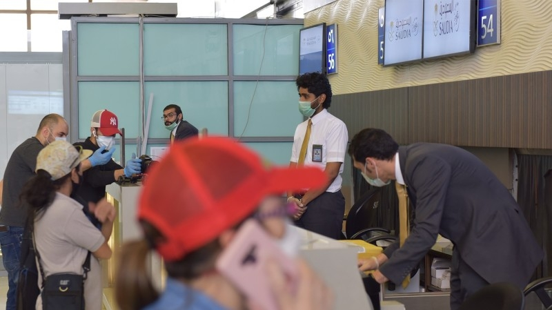 King orders to allow return of expats on reentry, exit visas