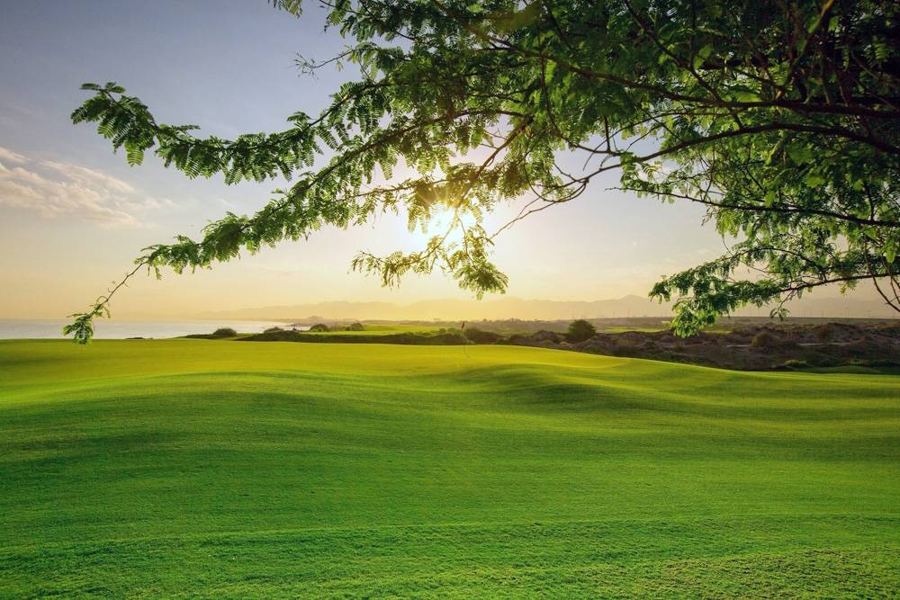 Al Mouj Golf expands its international certifications for environmental excellence.