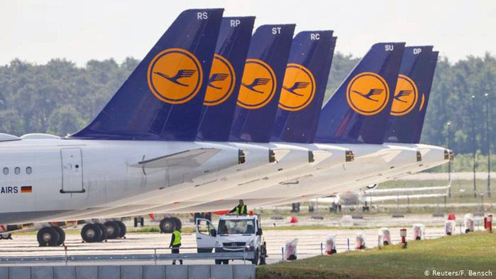 Lufthansa's 9-billion-euro aid was approved.