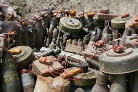 The Saudi mine-clearing work will offer Yemeni people future security. -- File photo