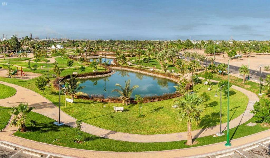 The Lake Park stands out as one of the distinctive tourist destinations where holidaymakers can spend quality time on its banks in the historic city of Yanbu surrounded by its natural beauty. — SPA