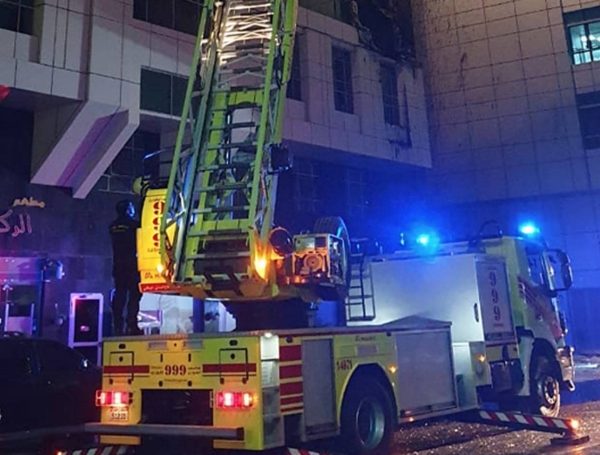 Abu Dhabi's Civil Defense teams put out a large fire that broke out in a residential building in Abu Dhabi on Friday night. — WAM photo