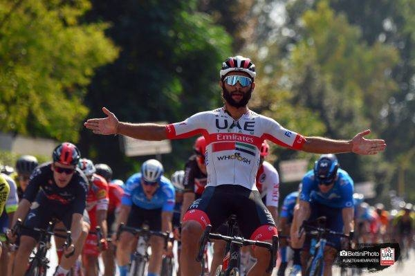 Fernando Gaviria took his 6th win of the season, coming home first to win the bunch sprint at the Giro della Toscana in Italy.