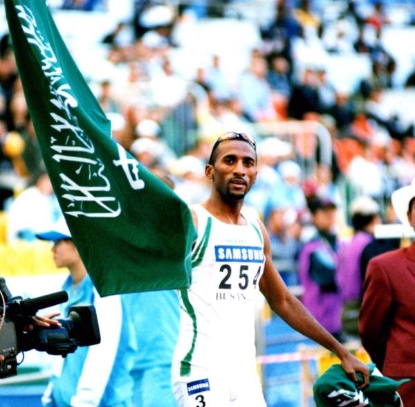 Hadi Souan celebrates his 400m hurdles silver medal at Sydney 2000.