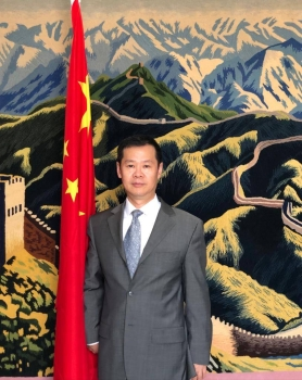 The Consul General of China in Jeddah Tan Banglin.