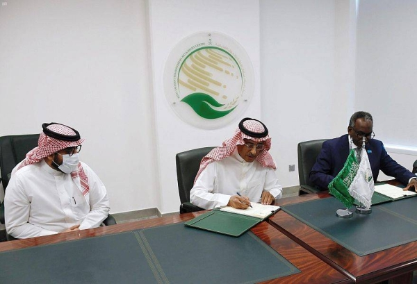 The agreement was signed by KSRelief's assistant supervisor general for operations and programs Ahmed Ali Al-Baiz and UNICEF representative in the GCC regionEltayeb Adam at the center's premises in Riyadh on Thursday.