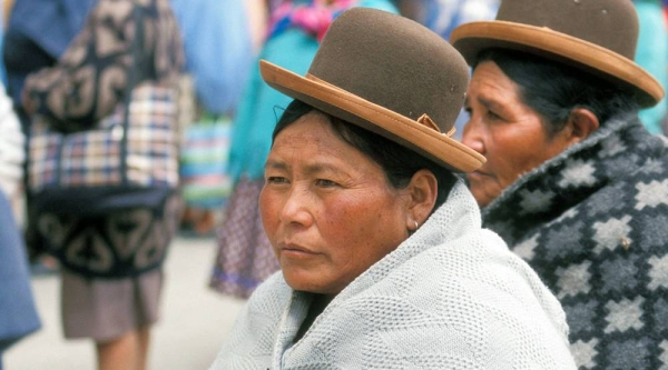 Indigenous women on a street in La Paz, Bolivia. — courtesy ILO/R. Lord