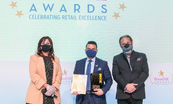 Salim MA, director of LuLu Group with Amitabh Taneja, chairman & MD of Images Group, and Justina Eitzinger, chief operating officer of Middle East Retail Forum during the awarding ceremony at Conrad Hotel in Dubai.