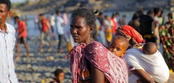 Ethiopian refugees fleeing clashes in the Tigray region cross the border into Sudan. — courtesy UNHCR/Hazim Elhag