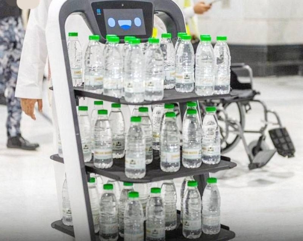 President of the Presidency of the Affair of the Two Holy Mosques Sheikh Dr. Abdulrahman Bin Abdulaziz Al-Sudais inaugurated yesterday a smart robot system to distribute bottles of Zamzam water.