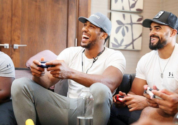 British heavyweight boxer Anthony Joshua is taking part in Gamers Without Borders.