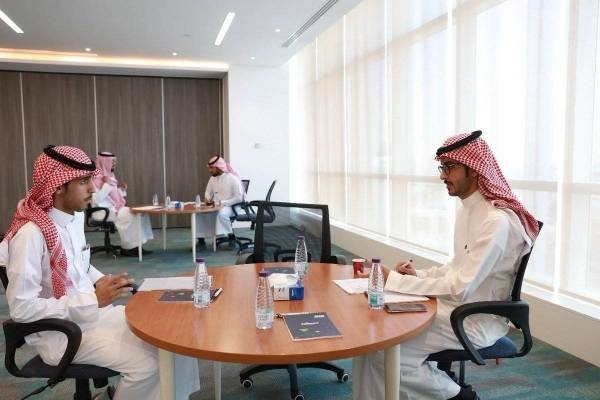 Finance, insurance sectors to implement total Saudization, replacing 91,000 expats