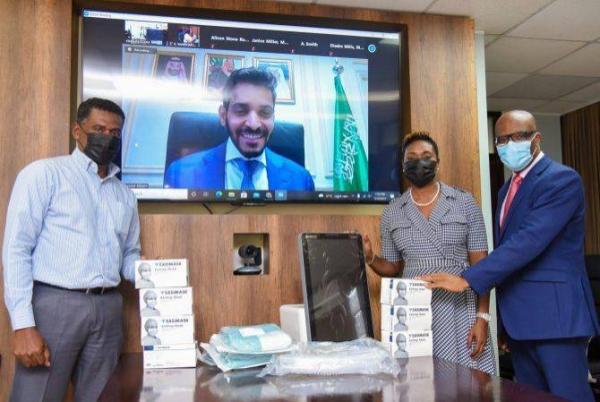 On behalf of KSrelief, the medical aid was handed over by Saudi Arabia's Ambassador to Cuba Faisal Bin Falah Al-Harbi. (@KSAembassyHA)