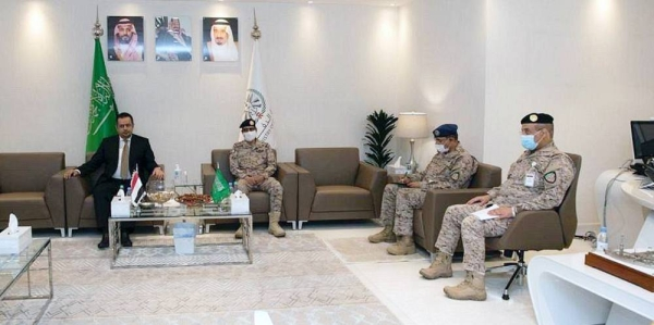 Deputy Chief of the General Staff and Acting Commander of the Joint Forces Lt. Gen. Mutlaq Bin Salem Al-Azaima met here Monday with Yemeni Prime Minister Dr. Maeen Abdulmalik Saeed Sabri.