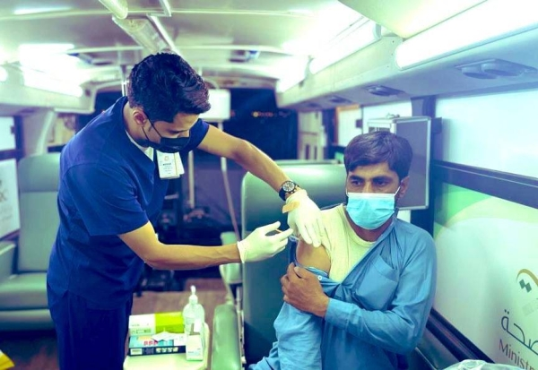 The Health Affairs Directorate in Al-Qassim region has launched an initiative to administer vaccinations against COVID-19 through mobile clinics.