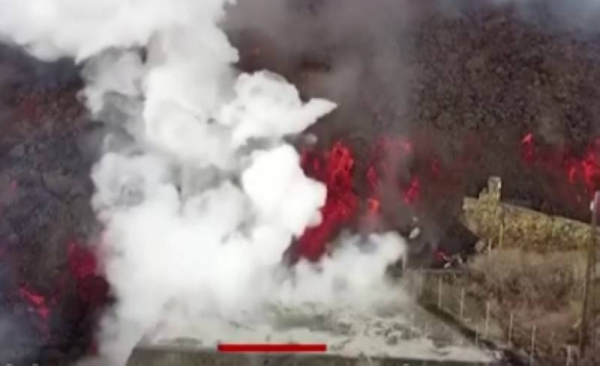 Lava from La Palma volcano is approaching sea, can cause explosions